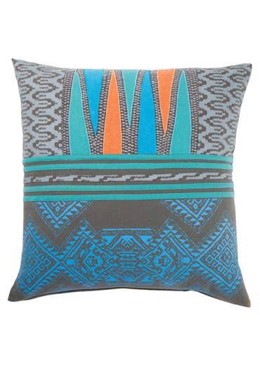 Traditions Made Modern Pillowss - MNP09 22 inch
